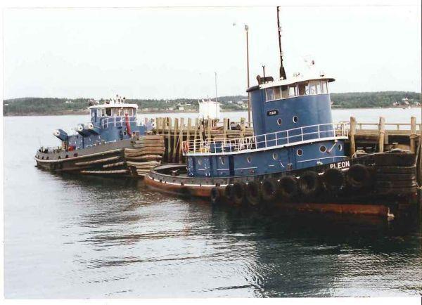 95' Harbor Tug Boat