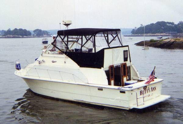 33' Carver Mariner