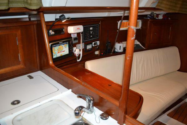 34' Beneteau 331 Cruising Sloop For Sale