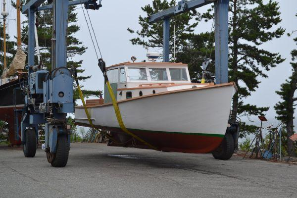 31' Eugene Walls Downeast Lobster Yacht For Sale