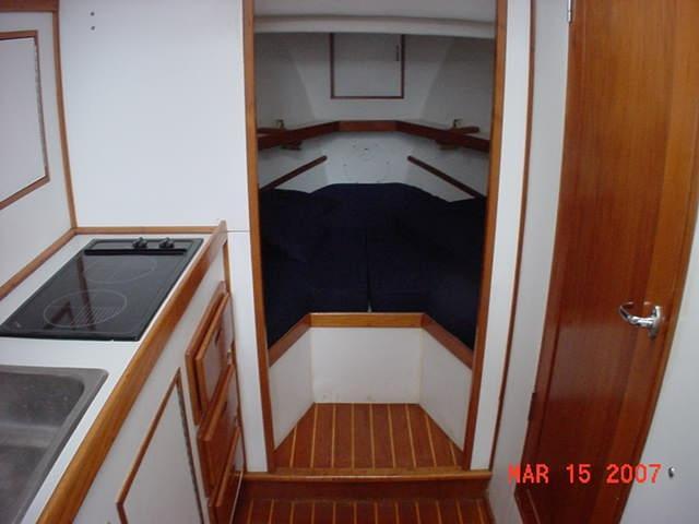 34' Wayne Beal Downeast Flybridge Sportfish 1994 For Sale