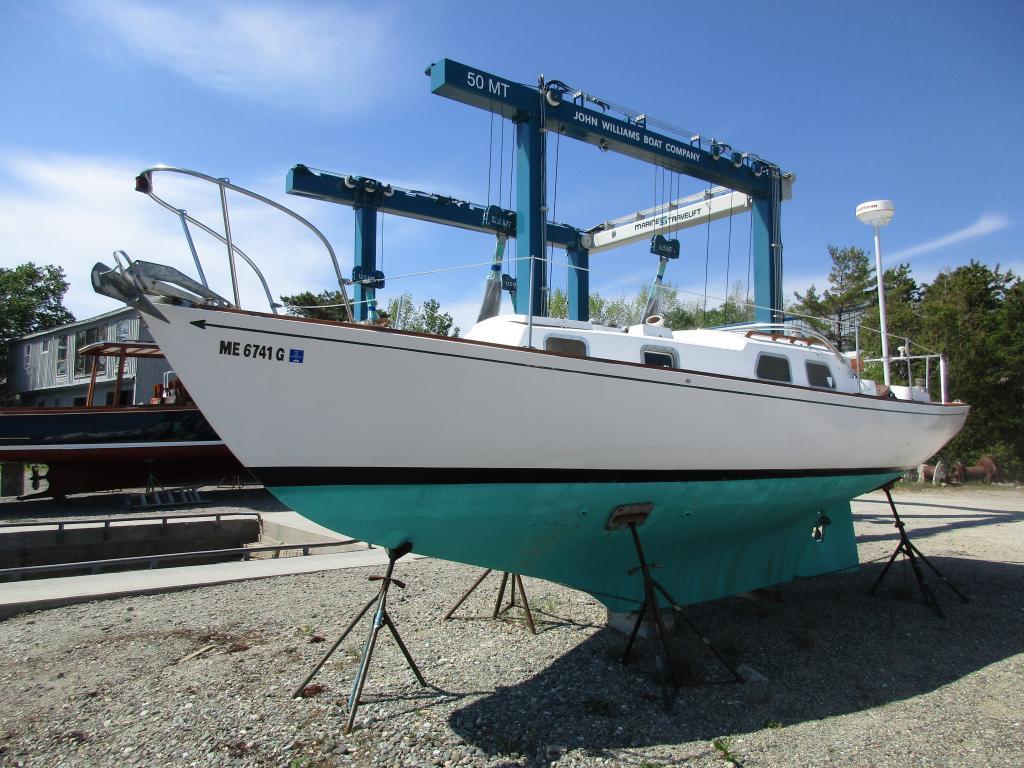 1969 29 Bristol Sail Boat For Sale