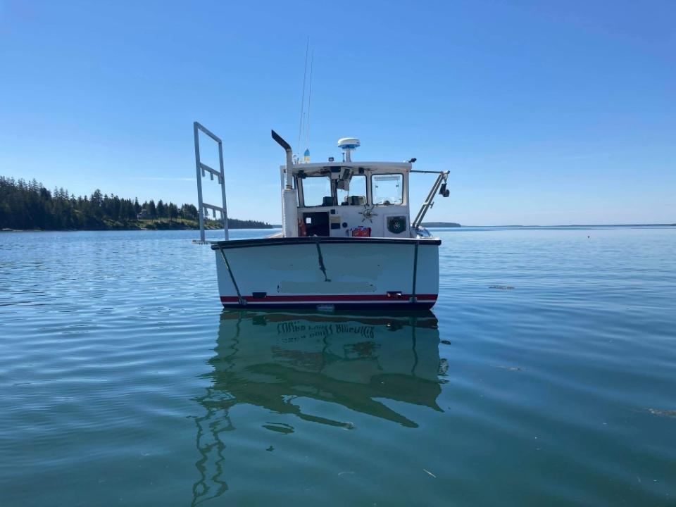 27' H&H Lobster Boat 1997 - John Deere 225 HP For Sale