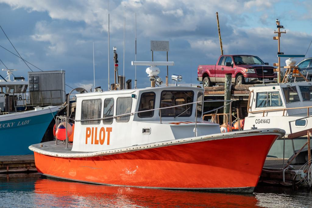 39' Pilot Work Boat Launch 1981 - Detroit 325 HP For Sale