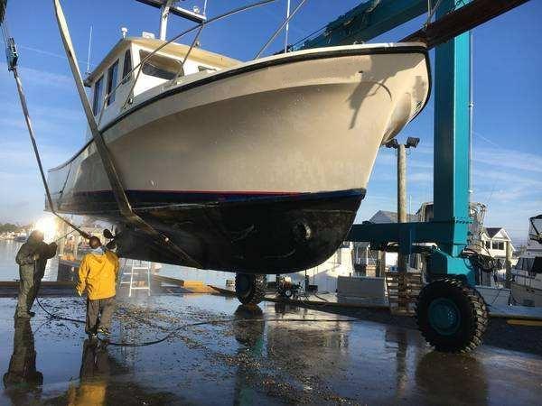 35' JC Lobster Sportfish Boat 1985 - Volvo 435 HP For Sale
