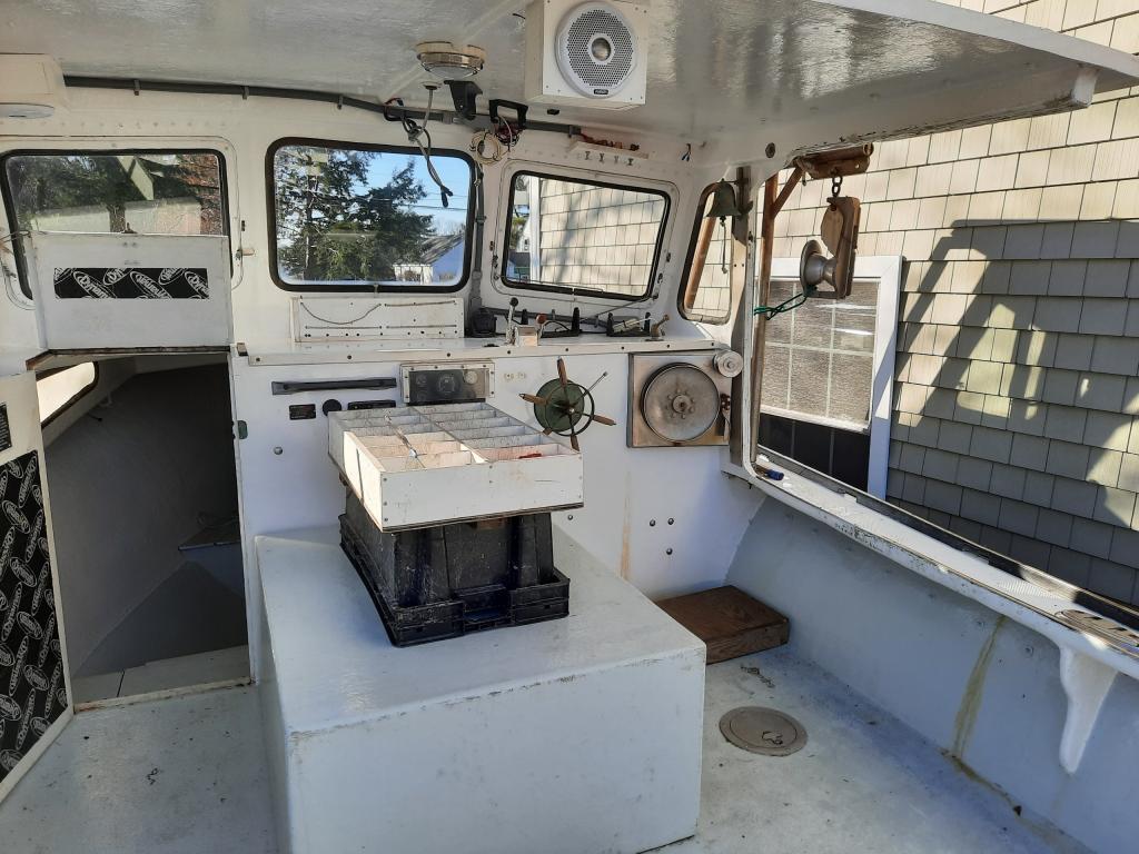 26' Webbers Cove Lobster Boat 1993 - John Deere 115 HP For Sale