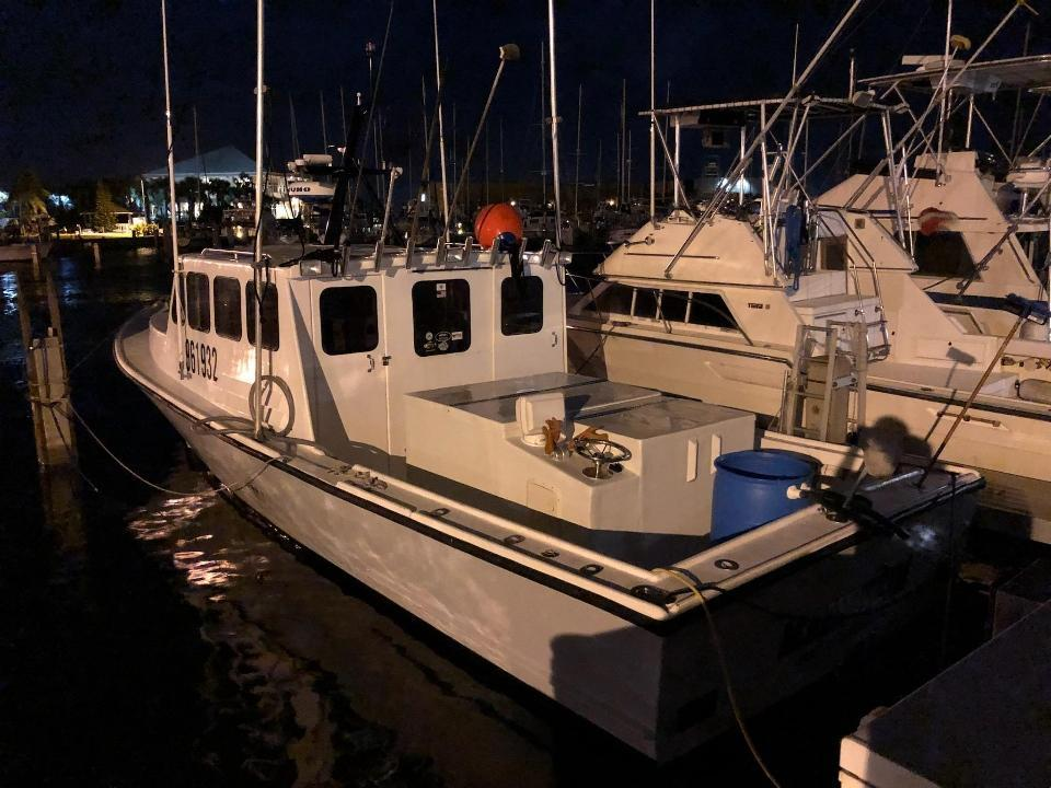 35' Young Brothers Lobster Boat 1990 - Lugger 460 HP For Sale