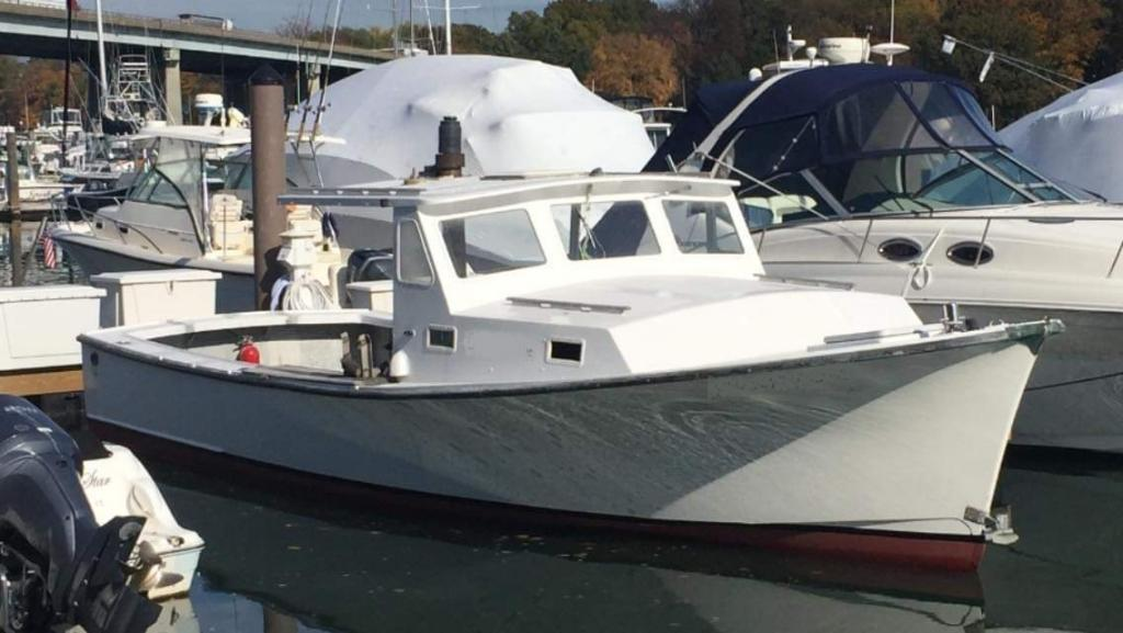 31' JC Lobster Boat 1978 - Cat 210 HP For Sale