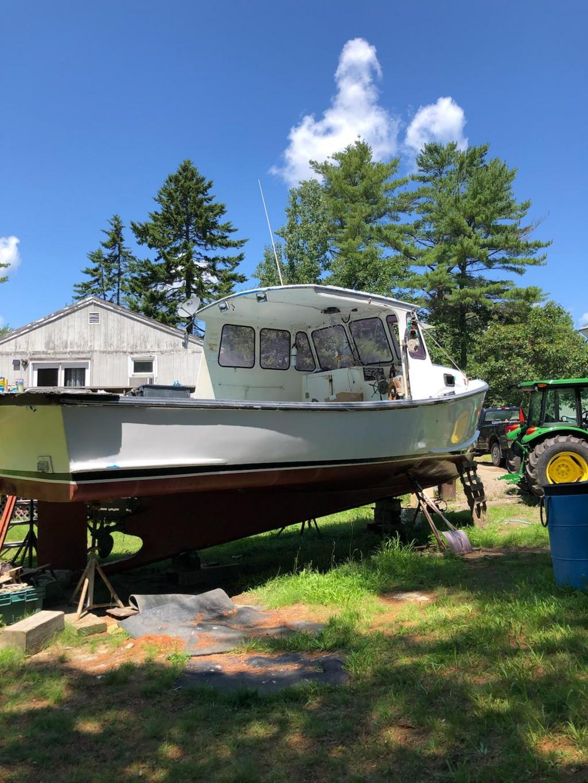 27' Terry Jason Lobster Boat 2005 - John Deere 165 HP For Sale