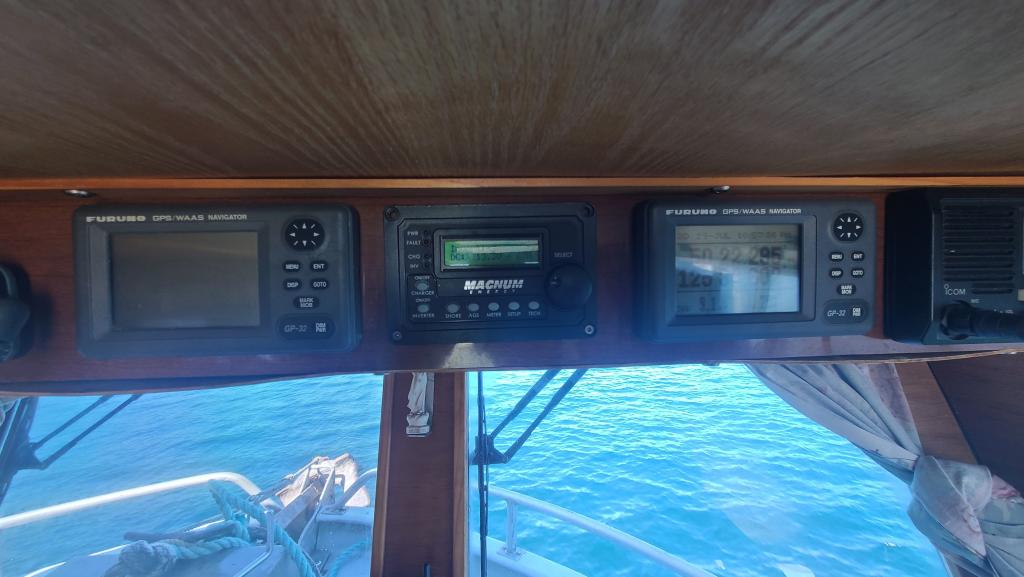 37' ICL Lobster Boat 1974 - Cat 425 HP For Sale