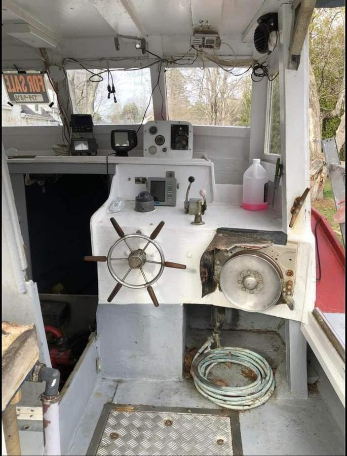 32' Novi Solid Glass Lobster Boat 1987 - Ford Lehman 135 HP For Sale
