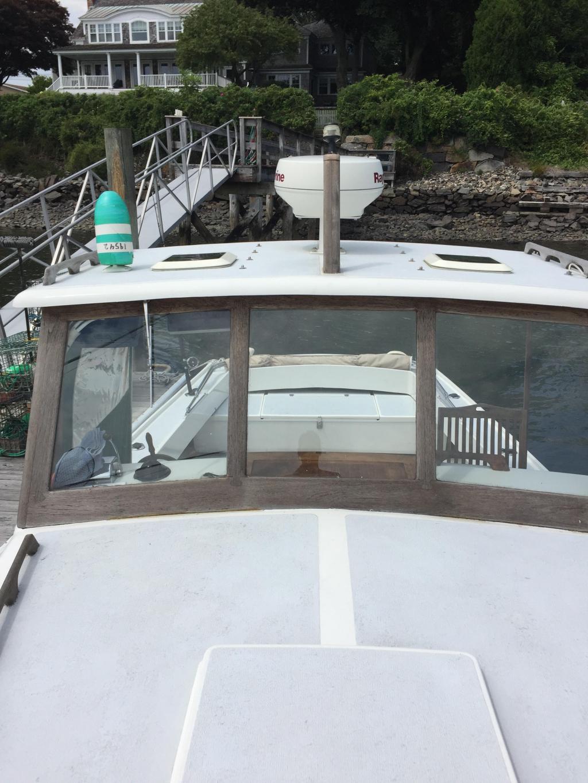 25' John Bishop Downeast Yacht 1998 - Crusader V6 Gas 220 HP For Sale