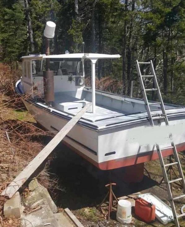30' South Shore Lobster Boat 1994 - John Deere 220 HP For Sale